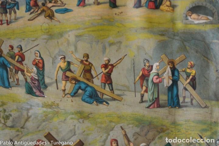 Antigüedades: Cuadro con lámina a color de Vía Crucis - Escena religiosa, Cristo con la Cruz, crucifixión - Foto 7 - 133309078