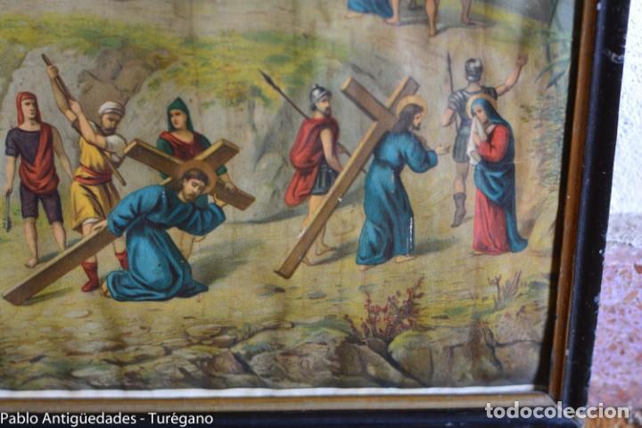 Antigüedades: Cuadro con lámina a color de Vía Crucis - Escena religiosa, Cristo con la Cruz, crucifixión - Foto 9 - 133309078