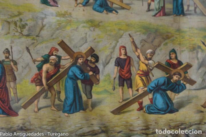 Antigüedades: Cuadro con lámina a color de Vía Crucis - Escena religiosa, Cristo con la Cruz, crucifixión - Foto 10 - 133309078