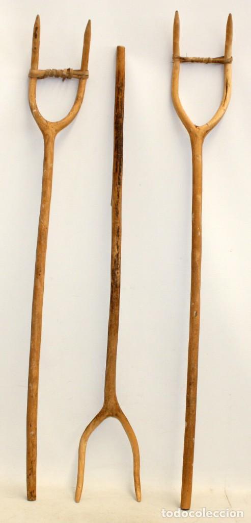 LOTE DE 3 HORCAS ANTIGUAS EN MADERA (Antigüedades - Técnicas - Rústicas - Agricultura)