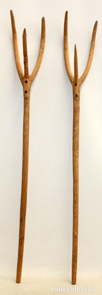 LOTE DE 2 HORCAS ANTIGUAS EN MADERA (Antigüedades - Técnicas - Rústicas - Agricultura)