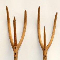 Antigüedades: LOTE DE 2 HORCAS ANTIGUAS EN MADERA. Lote 133310582