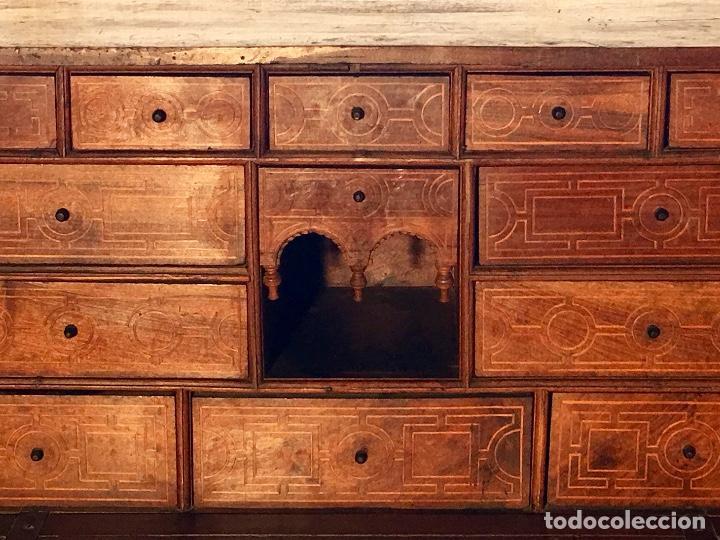 Antigüedades: BARGUEÑO SIGLO XVII - Foto 9 - 133328910