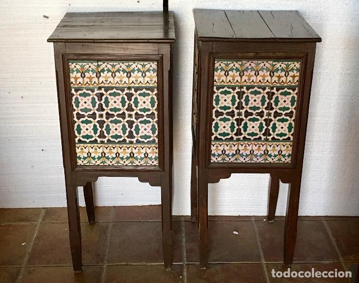 PAREJA DE PEDESTALES CON AZULEJOS ANTIGUOS (Antigüedades - Muebles Antiguos - Auxiliares Antiguos)