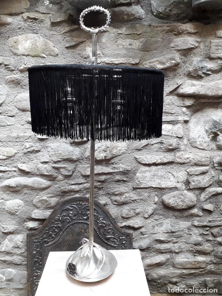 LÁMPARA DE SOBREMESA EN PLATA VIEJA (Antigüedades - Iluminación - Lámparas Antiguas)