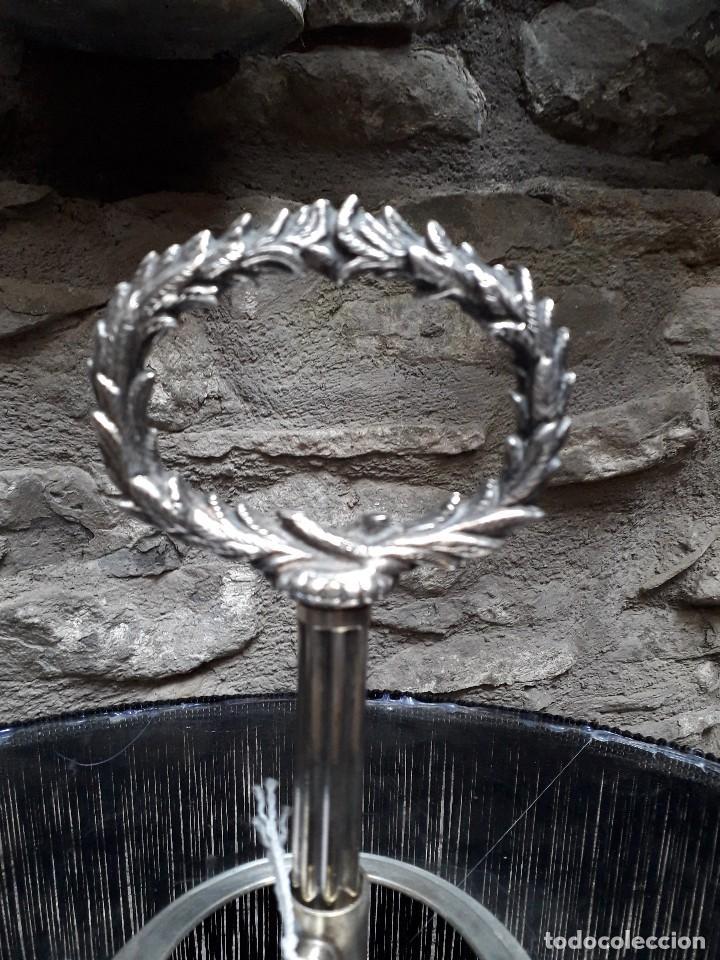 Antigüedades: Lámpara de sobremesa en plata vieja - Foto 4 - 133378774