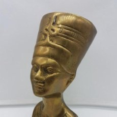 Antigüedades: BELLO BUSTO ANTIGUO EN BRONCE EGIPCIO DE NEFERTITI .. Lote 133391830
