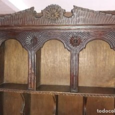 Antigüedades: BURÓ ESCRITORIO CASTAÑO MACIZO TALLADO. Lote 133425038
