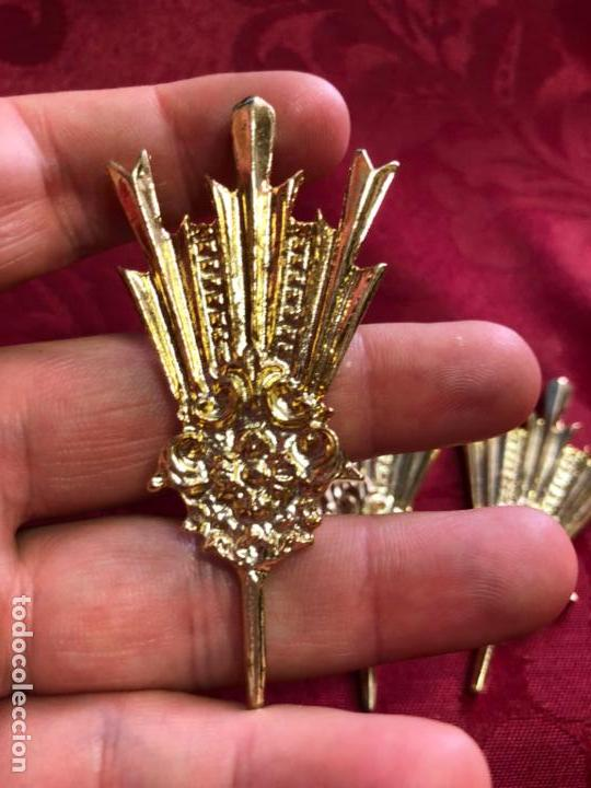 Antigüedades: POTENCIAS DE METAL DORADO - MEDIDA 5,5 CM - CRISTO - OLOT - RELIGIOSO - SEMANA SANTA - RELIGIOSA - Foto 2 - 133454942