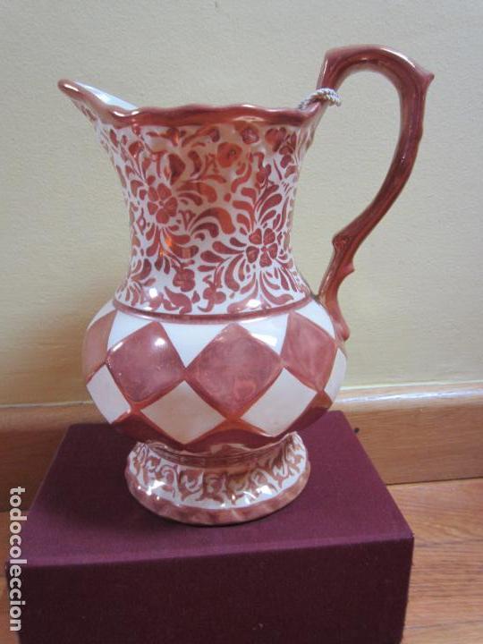 JARRA LOZA DORADA REFLEJO METÁLICO GIMENO RÍOS DE MANISES (Antigüedades - Porcelanas y Cerámicas - Manises)