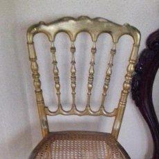 Antigüedades: ANTIGUA SILLA DE MADERA DORADA CON ASIENTO DE REJILLA.. Lote 133490426