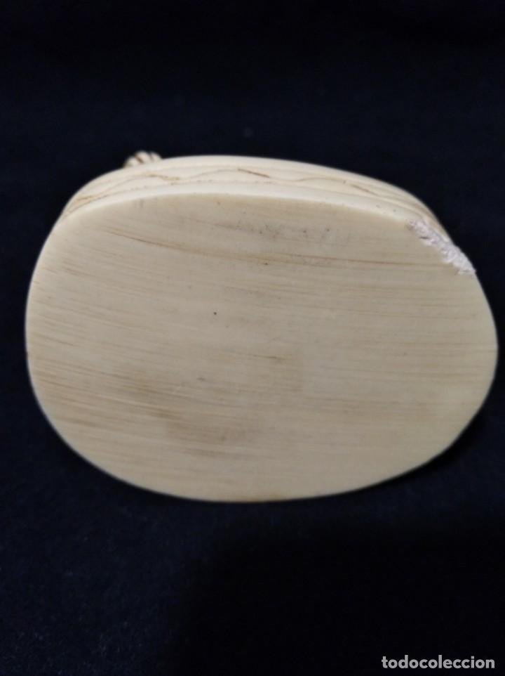 Antigüedades: Antigua figura de buda en marfilina o resina - Foto 6 - 133490678