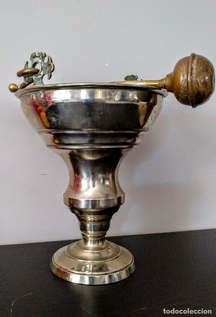 Antigüedades: Acetre en forma de cáliz con aspersorio c.1880-1900 - Foto 2 - 133497310