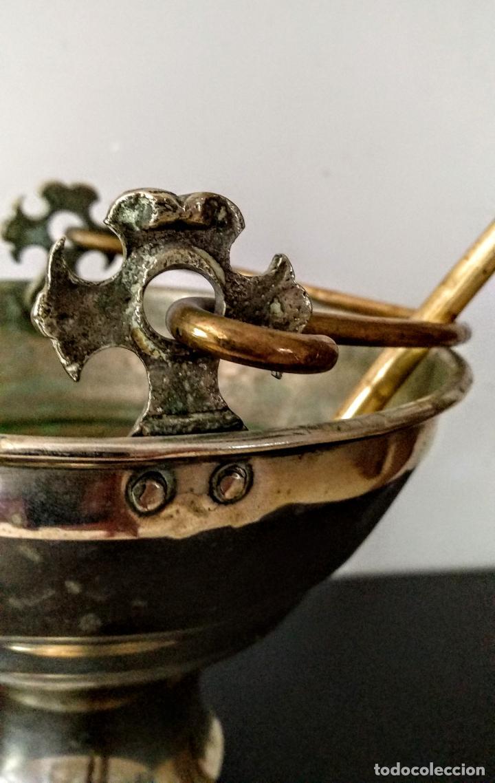 Antigüedades: Acetre en forma de cáliz con aspersorio c.1880-1900 - Foto 8 - 133497310