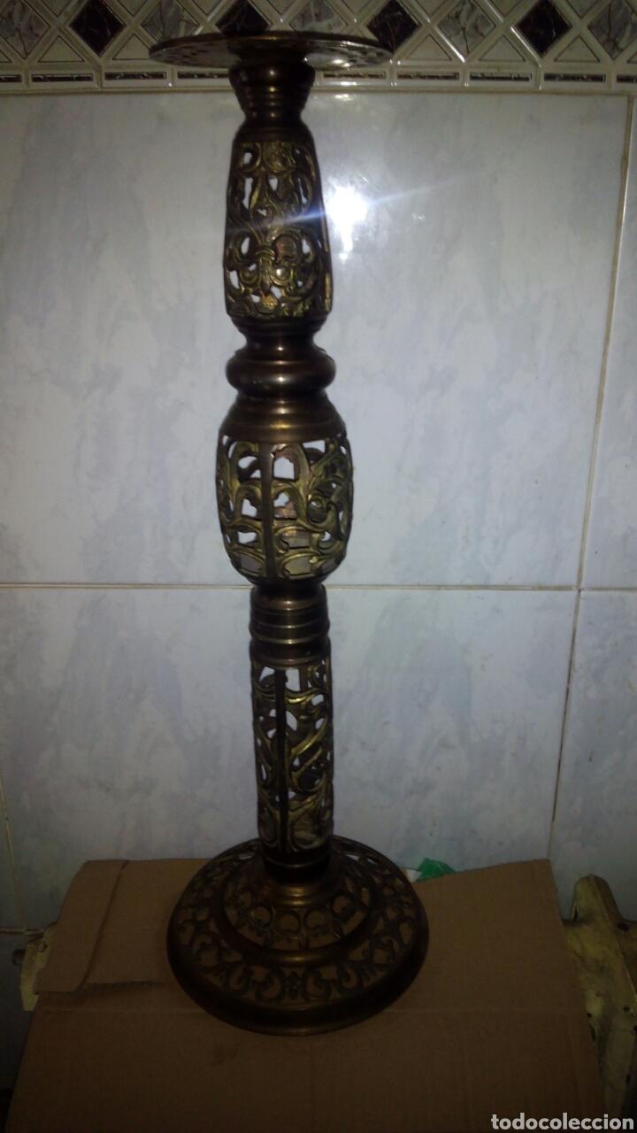CANDELABRO DE METAL DORADO 58 CM. (Antigüedades - Iluminación - Candelabros Antiguos)