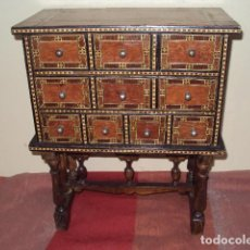 Antigüedades: MINI BARGUEÑO JOYERO. Lote 133521310