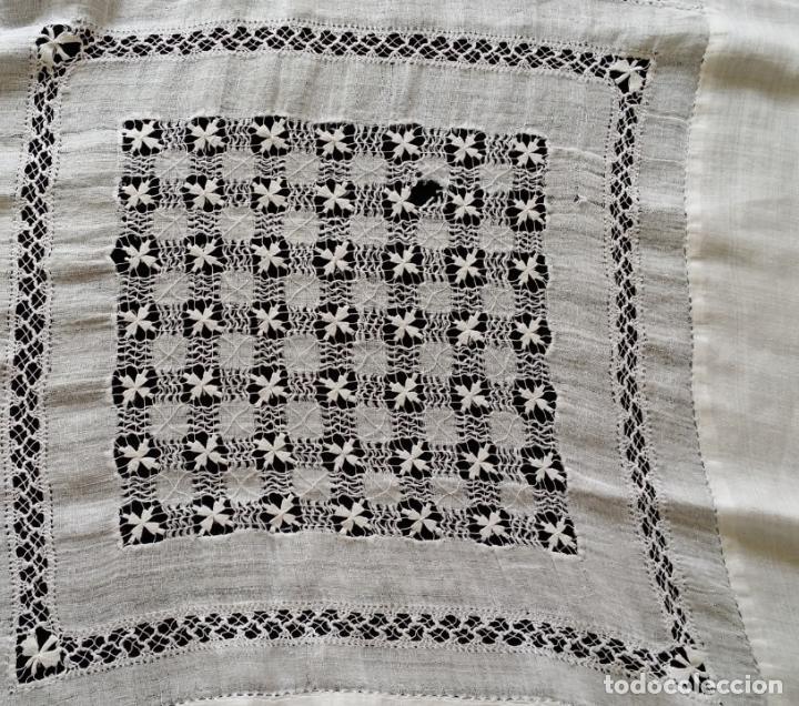 Antigüedades: Antiguo mantel bordado - Foto 14 - 133563902