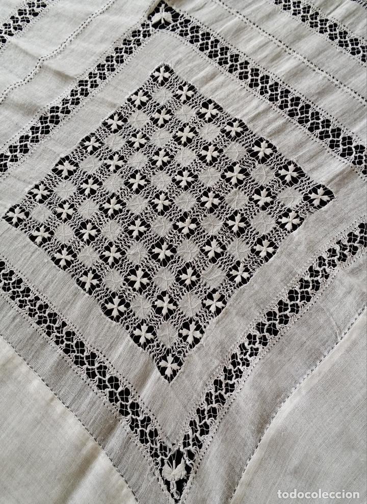 Antigüedades: Antiguo mantel bordado - Foto 15 - 133563902