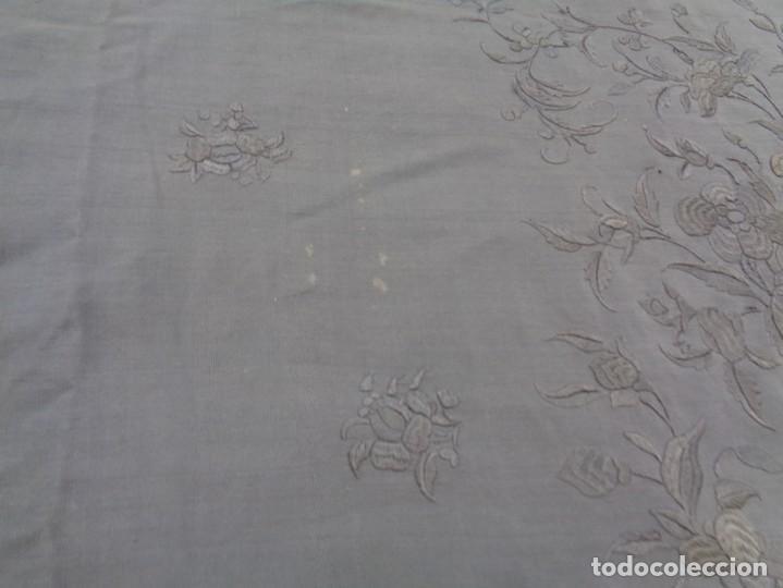 Antigüedades: ANTIGUO Y GRAN MANTON DE MANILA ISABELINO NEGRO BORDADO CON FLORES EN NEGRO - Foto 34 - 133564914
