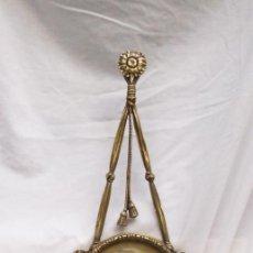Antigüedades: MARCO DE BRONCE OVALADO. Lote 133609258