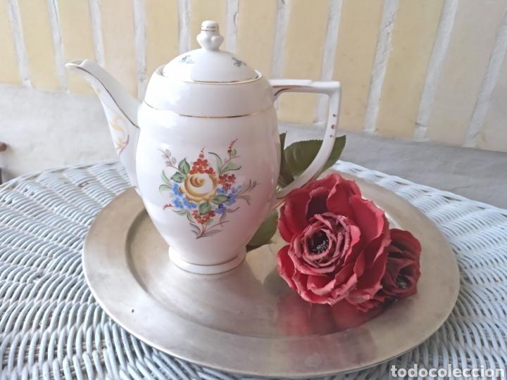 ANTIGUA CAFETERA TETERA DE PORCELANA (Antigüedades - Porcelanas y Cerámicas - Otras)