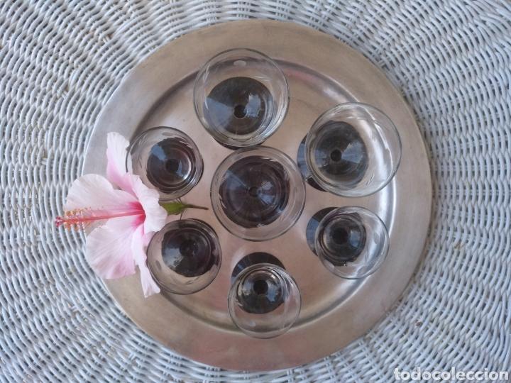 Antigüedades: Cristaleria de copas antiguas.tallado .cristal negro - Foto 4 - 133619201