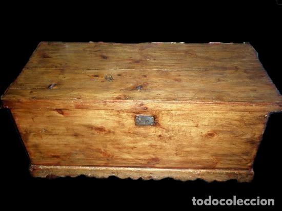 SOBERBIO ARCÓN O BAÚL DE PINO ARAGONÉS. RESTAURADO. 137X110X63CM (Antigüedades - Muebles Antiguos - Baúles Antiguos)