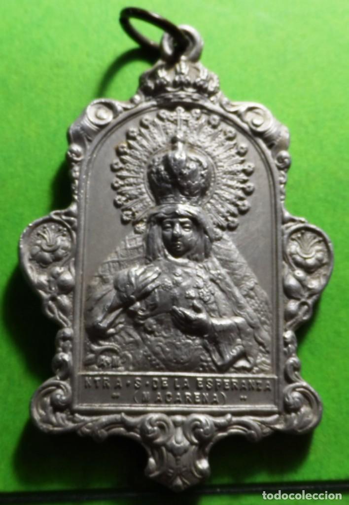 MEDALLA DE ESPERANZA (MACARENA) SEVILLA (Antigüedades - Religiosas - Medallas Antiguas)