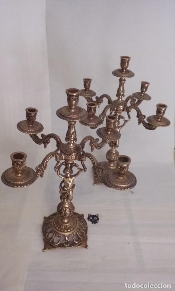 JUEGO DE 2 CANDELABROS DE BRONCE ANTIGUOS CAPACIDAD PARA 5 VELAS (Antigüedades - Hogar y Decoración - Portavelas Antiguas)