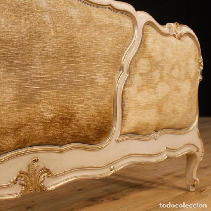 Antigüedades: Cama veneciana en madera lacada y plateada con terciopelo - Foto 6 - 133730494