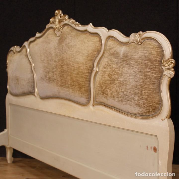 Antigüedades: Cama veneciana en madera lacada y plateada con terciopelo - Foto 8 - 133730494