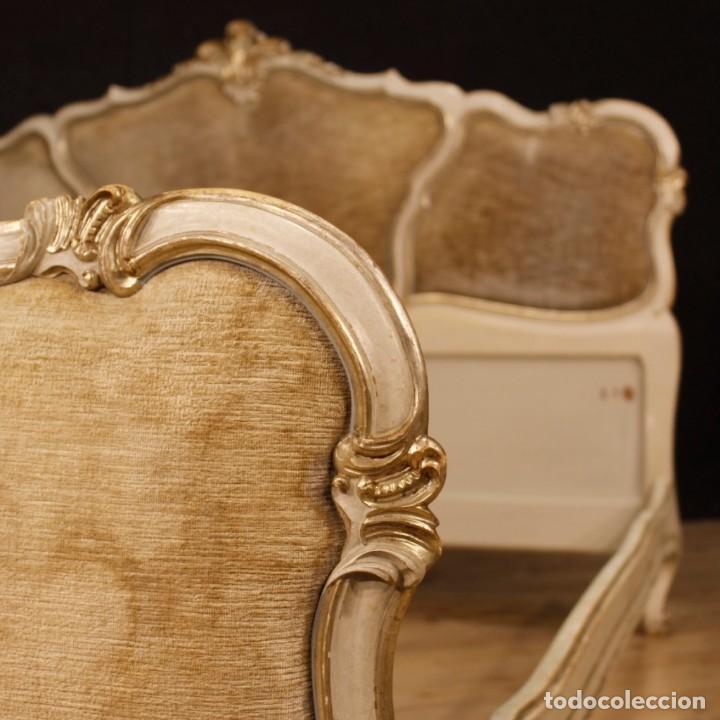 Antigüedades: Cama veneciana en madera lacada y plateada con terciopelo - Foto 9 - 133730494