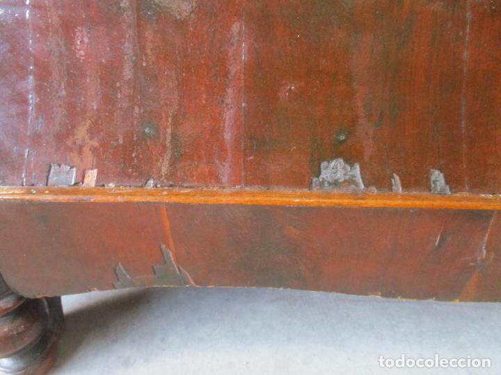 Antigüedades: Antigua Cómoda Isabelina Bombeada - Madera de Raíz de Caoba - Mármol Blanco - S. XIX - Foto 6 - 133731566
