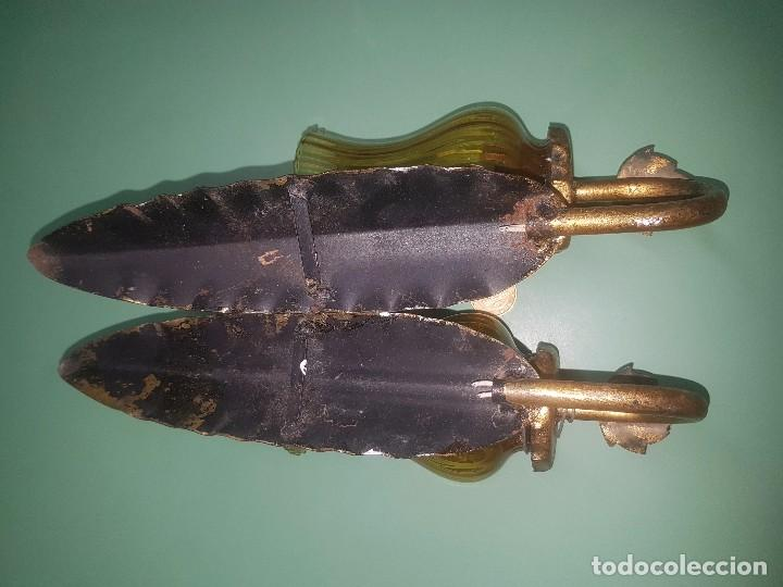 Antigüedades: Lote 2 apliques lámparas de pared hojas y tulipa de cristal ambar - Foto 4 - 133732910