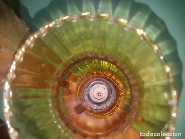 Antigüedades: Lote 2 apliques lámparas de pared hojas y tulipa de cristal ambar - Foto 6 - 133732910