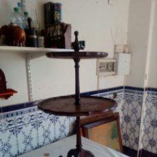 Antigüedades: BONITA MESA DE MADERA. Lote 133799139