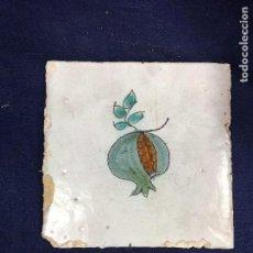 Antigüedades: AZULEJO RAJOLA CERÁMICA CATALÁN SERIE DE LA FRUTA GRANADA VERDE DECORACIÓN EN COCINA S XVIII. Lote 133804462