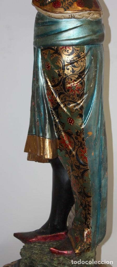 Antigüedades: IMPORTANTE TORCHERO NEGRO (VENECIANO) EN MADERA TALLADA Y POLICROMADA. APROXIMADAMENTE 1900 - Foto 11 - 133818058