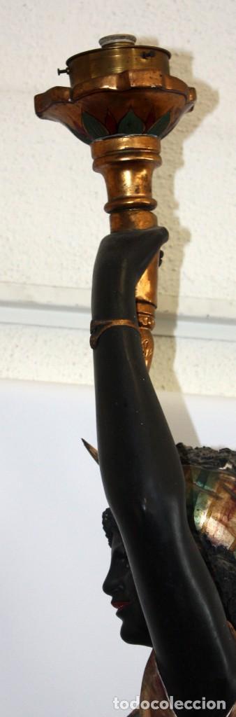 Antigüedades: IMPORTANTE TORCHERO NEGRO (VENECIANO) EN MADERA TALLADA Y POLICROMADA. APROXIMADAMENTE 1900 - Foto 15 - 133818058
