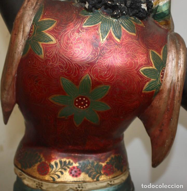 Antigüedades: IMPORTANTE TORCHERO NEGRO (VENECIANO) EN MADERA TALLADA Y POLICROMADA. APROXIMADAMENTE 1900 - Foto 26 - 133818058