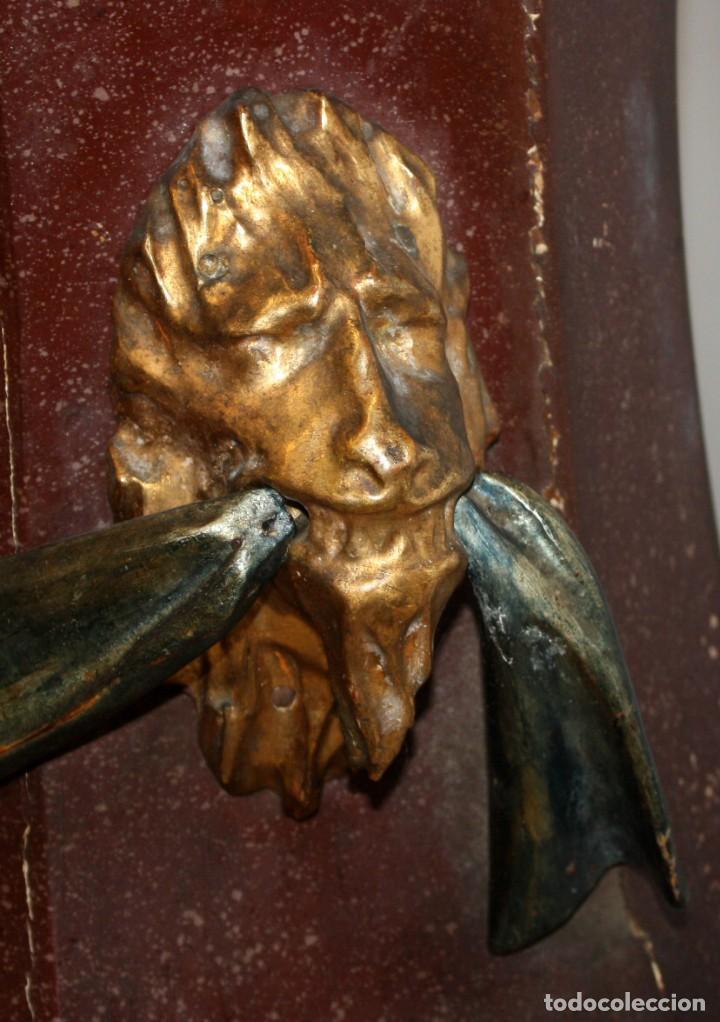 Antigüedades: IMPORTANTE TORCHERO NEGRO (VENECIANO) EN MADERA TALLADA Y POLICROMADA. APROXIMADAMENTE 1900 - Foto 30 - 133818058