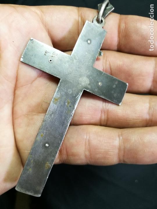 Antigüedades: CRUCIFIJO CRUZ PORTABLE SIGLO XIX-XX PLATA DE LEY --10 mm alto CON ANILLA - Foto 3 - 133849770