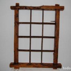 Antigüedades: MARCO DE VENTANA CON REJA DE FORJA MUY VIEJO. Lote 133850414