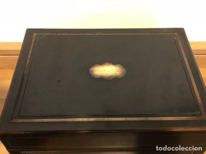 Antigüedades: Caja Licorera francesa Napoleon III con marquetería de latón - Foto 7 - 133889023