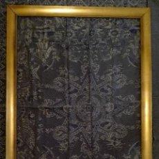 Antigüedades: GRANDE MARCO DORADO - MOLDURA PAN DE ORO - SIGLO XX -146 X 98 CM.INTERIOR. Lote 133907398