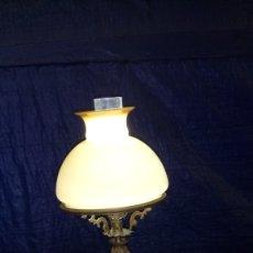 Antigüedades: ANTIGUA LÁMPARA DE GAS ELECTRIFICADA EN LOS AÑOS POSTERIORES, CUERPO DE ÁNGEL, PLOMO Y BRONCE. Lote 133908585