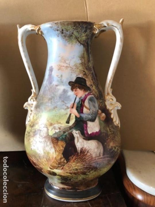 Antigüedades: PAREJA DE JARRONES DE PORCELANA - Foto 2 - 133950014