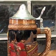 Antigüedades: JARRA DE CERVEZA INGLESA CON TAPA. Lote 133963250