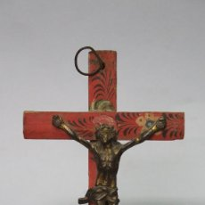 Antigüedades: PRECIOSO CRUCIFIJO. CRISTO BRONCE Y CRUZ POLICROMADA. SIGLO XVIII. Lote 133967222