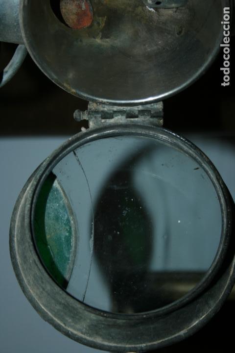 Antigüedades: Farol Auteroche Paris, reflex. cristal verde y blanco-está rajado.modelo 20. mide 32 x 18 cms. - Foto 9 - 134013686